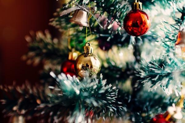 Kleine Kerze, leuchte. Ein Wegbegleiter durch die Advents und Weihnachtszeit